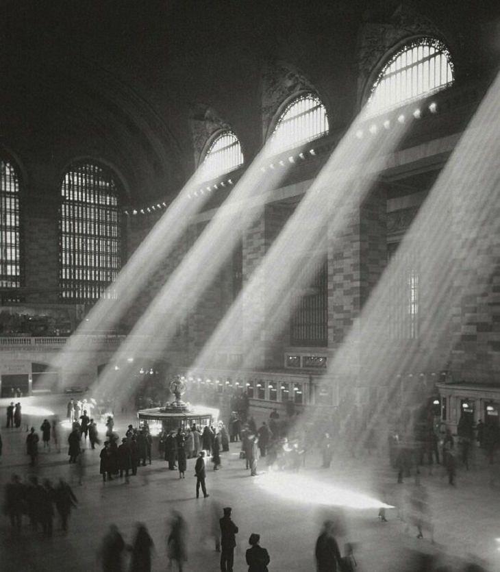 Fotos Históricas Raras El sol brilla a través de la Gran Terminal Central, NY- 1929