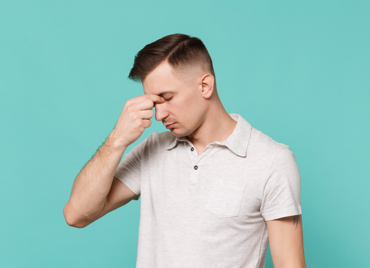 Cómo Quitar El Agua Atascada En Los Oídos Prueba esta técnica de ecualización del oído
