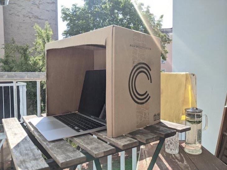 2. ¿Quieres usar su computadora portátil al aire libre sin que se derrita con el calor? Todo lo que necesitas es una simple caja de cartón.