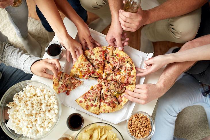 1. Comiste una cena abundante o tomaste un refrigerio a última hora de la noche