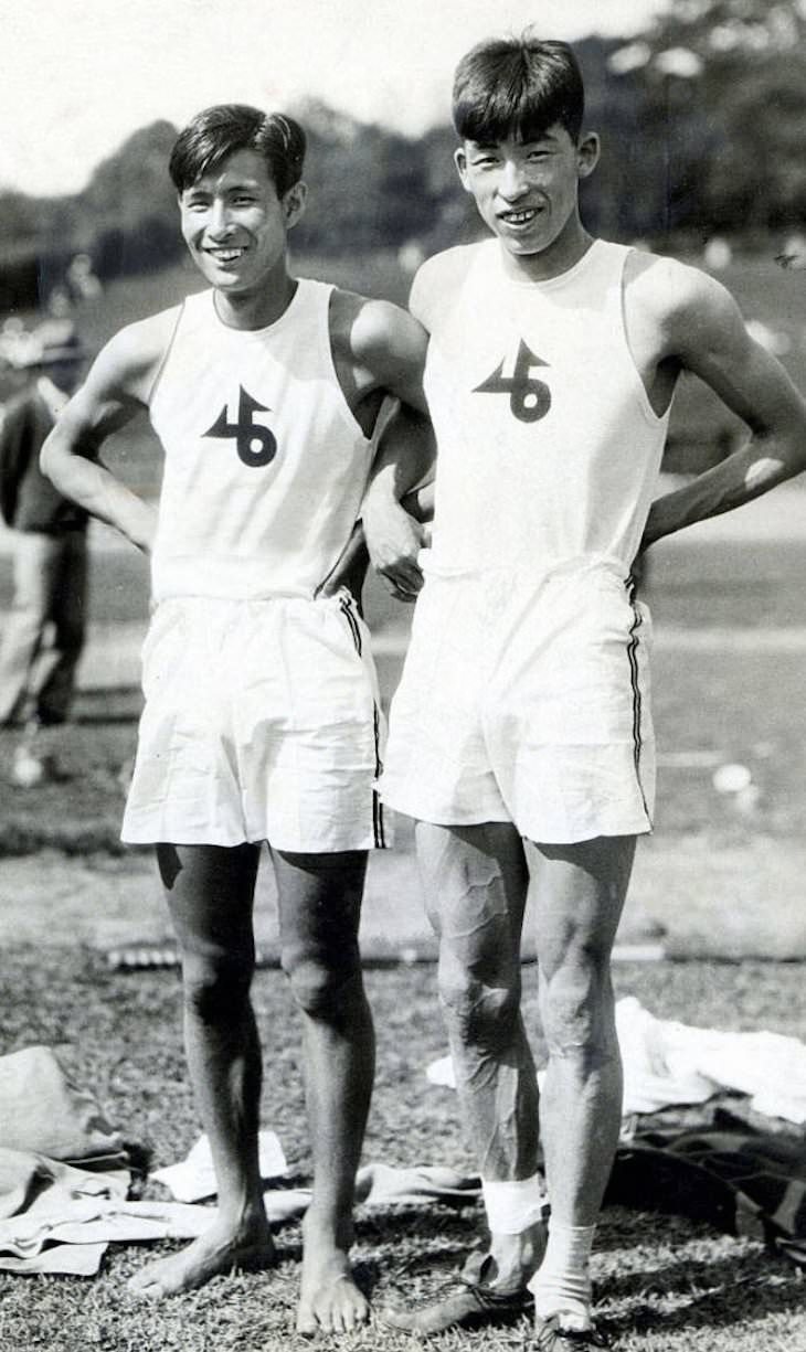 1. En los Juegos Olímpicos de 1936, dos saltadores con pértiga japoneses, Shuhei Nashida y Sueo Oe, empataron en el segundo lugar. Negándose a competir entre sí, Nashida ganó la plata y el bronce Oe. A su regreso a Japón, cortaron las medallas en dos y las juntaron para hacer dos 'medallas de la amistad' de plata y bronce.