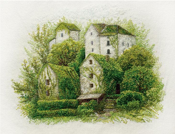 Paisajes Bordados a Mano Casas cubiertas con follaje verde