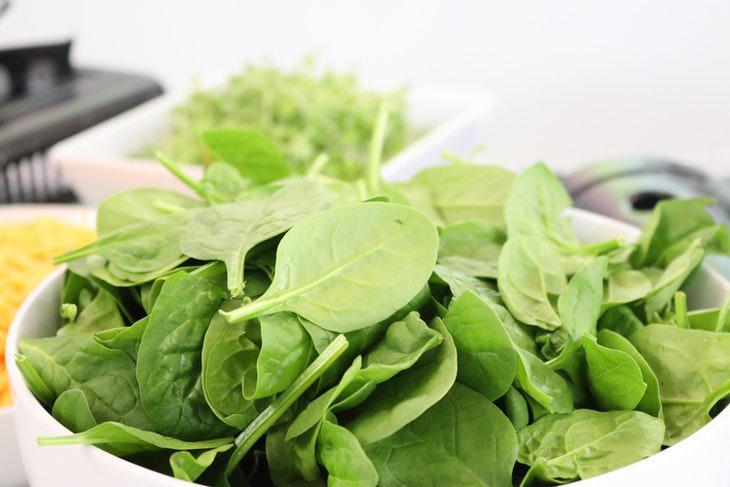4. Verduras de hoja verde