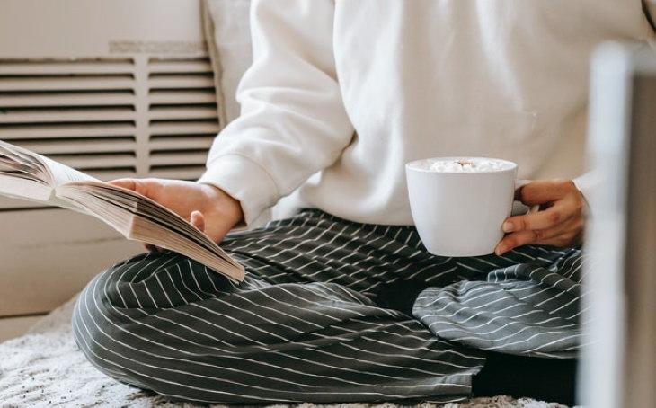 Cómo Evitar Los Coágulos De Sangre Usa ropa, calcetines o calzado holgados