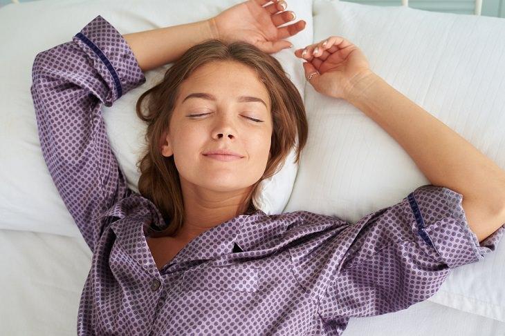 Beneficios De Dormir Boca Arriba Menos arrugas en la cara