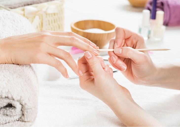Causas De Las Manchas En Las Uñas Manicuras, uñas artificiales y otros tratamientos