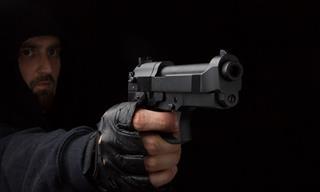 Chiste: Cuando Le Pides Al Ladrón Que Te Dispare