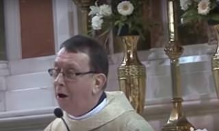 Sacerdote Canta Aleluya En Una Boda y Sorprende a Todos