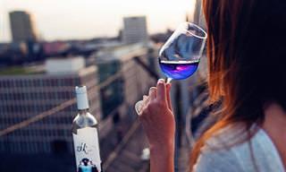 ¿Te Gustaría Probar Un Vino Azul?
