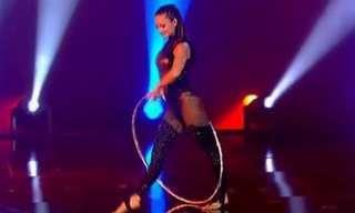 Irina Akimova: La Reina Del Hula Hoop