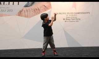 Este Niño Es Un Experto En Trucos De Yo-yo