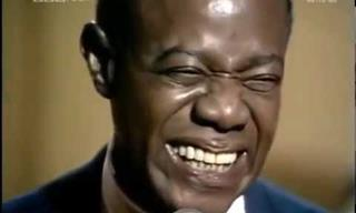 "Louis Armstrong En Vivo Cantando ""What a Wonderful World"""