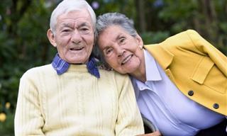 Chiste: Una Pareja De Ancianos En Año Nuevo