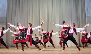 ¡Danza Serbia Que Es Poesía En Movimiento y Diversión!