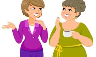 Cuando Dos Mujeres Adultas Hablando De Su Vida Amorosa