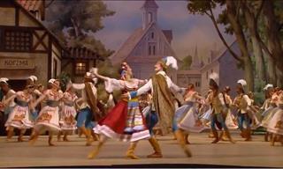 El Ballet De Bolshoi Realizando Una Danza Tradicional Polaca