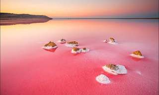 El Paisaje Surrealista Del Lago Koyashskoye...