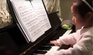 La ''Mini'' Pianista Que Fascina Al Mundo Con Su Música