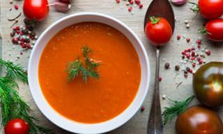 Prepara Una Sopa Anticáncer De Cúrcuma, Tomate y Pimienta