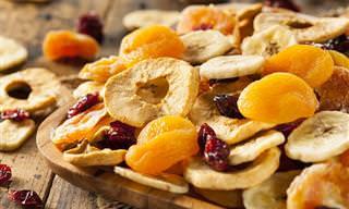 8 Alimentos Que Pueden Dañar Tus Dientes