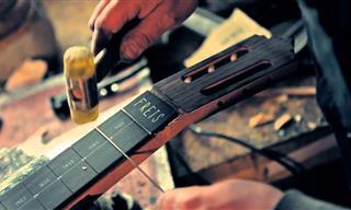El Arte De Hacer Una Guitarra Es Sencillamente Precioso