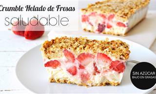 Cómo Preparar Un Crumble Helado de Yogurt y Fresas