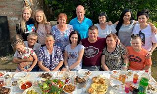 Así Se Hace Una Parrillada Familiar En Un Pueblo En Rusia