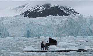 Ludovico Einaudi Toca Su Piano En Medio Del Ártico