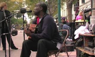 Artistas Callejeros Cantan Al Unísono Alrededor Del Mundo