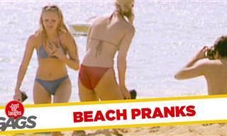 Mira Como Toman El Pelo a La Gente En La Playa...