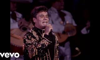 """Juan Gabriel  Interpretando """"Amor Eterno"""""""