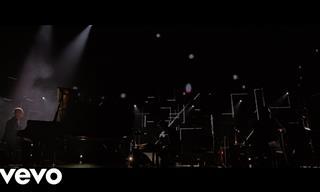 El Pianista Italiano Ludovico Einaudi En Una Presentación En Vivo