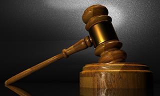 Chiste: La Viejita En El Juzgado