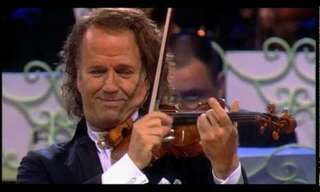 "André Rieu Toca ""The Second Waltz"""