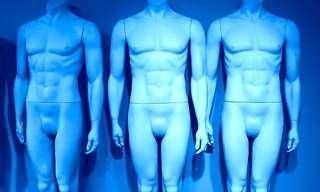 ¿Y Por Qué Estás Desnudo?