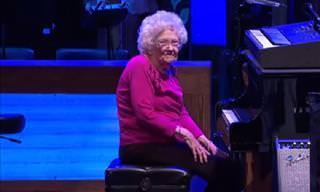 Te Sorprenderá Ver Cómo Esta Mujer De 98 Años Toca El Piano