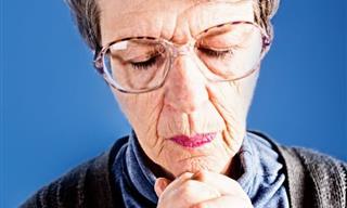 Chiste: Una Anciana En El Confesionario