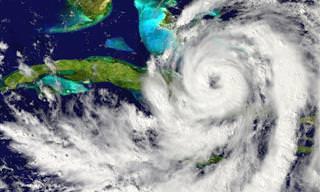 Devastación Causada Por Los Huracanes Harvey, Irma y María