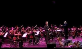 """El Tenor Dmitri Hvorostovsky y La Orquesta Sinfónica De Moscú Interpretan """"O Sole Mio"""""""