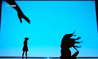 Observa Un Divino Teatro De Sombras