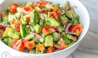Receta Del Día: Ensalada de Aguacate, Pepino y Tomate