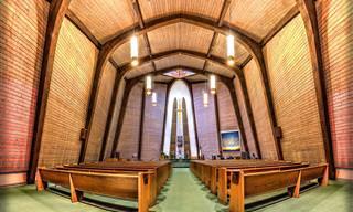 Chiste: Durmiendo en Una Iglesia