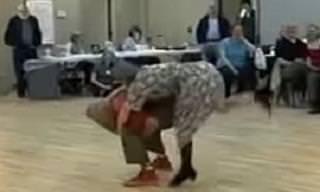 Eran Solo Un Par De Ancianos Hasta Que Empezaron a Bailar