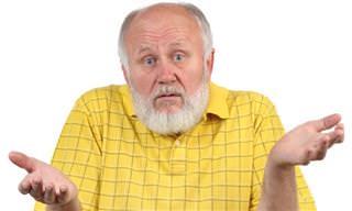 Este Anciano y Estos 3 Motoristas No Están De Acuerdo