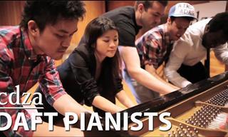 Un Bello Tema Musical Es El Resultado De 5 Músicos Tocando Un Piano