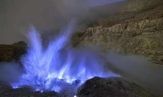 La Lava Azul De Volcán Ijen, Indonesia