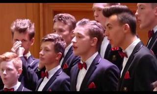 Una Hermosa Interpretación Del Coro De Jóvenes Dagilélis