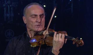 "El Violinista Samvel Yervinyan Interpreta ""La Tormenta"" De Vivaldi"