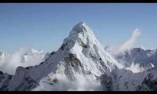 Un Majestuoso Vuelo Por El Himalaya