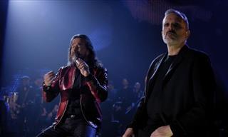 """Miguel Bosé y Marco Antonio Solís Interpretan a Dueto """"Olvídame Tú"""""""